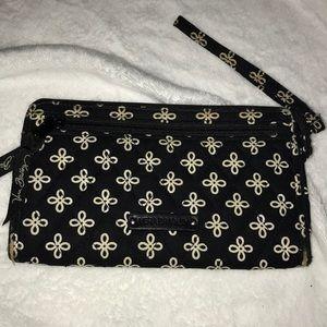 Black and White Vera Bradley Wristlet Wallet